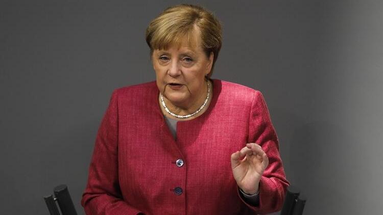 Merkel'den AB zirvesi öncesi Türkiye mesajı
