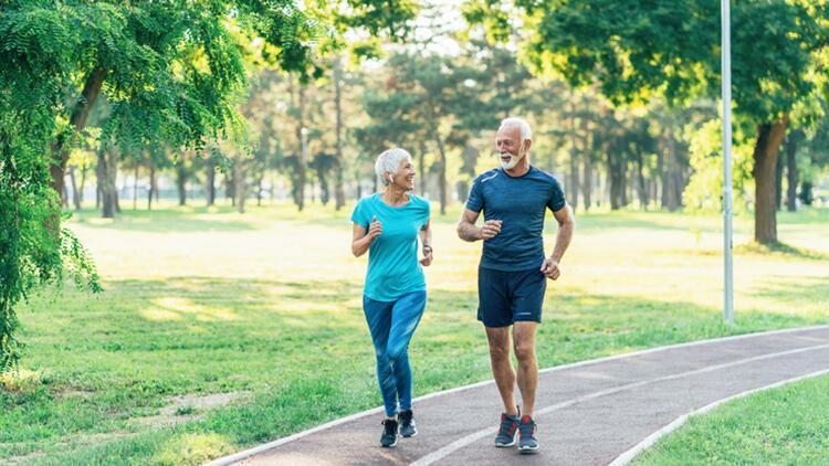 Uzmanından yaşlılığa bağlı hastalıkları önlemek için önemli tavsiyeler