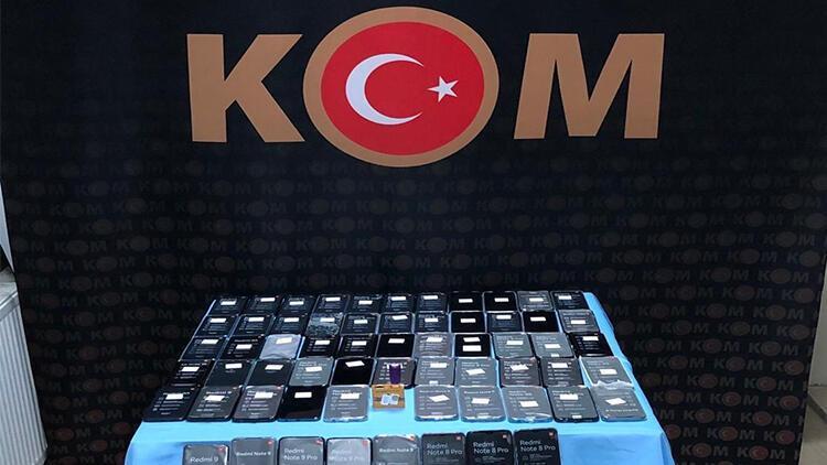 Bitlis'te 86 adet kaçak cep telefonu ele geçirildi