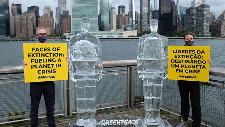 Green Peaceten Trump ile Bolsonaroya buzdan heykelli eleştiri