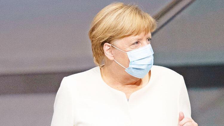 Merkel'den AB'ye öz eleştiri: O mülteci kampı görüntüleri Türkiye'den gelmedi