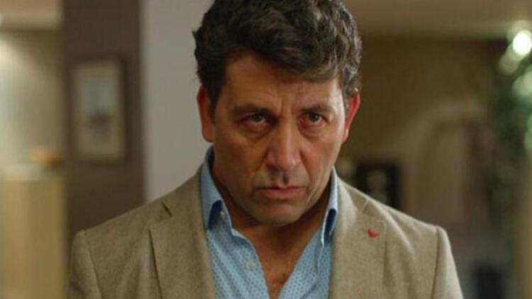 Kırmızı Oda Ahmet karakterini canlandıran Emre Kınay kimdir?