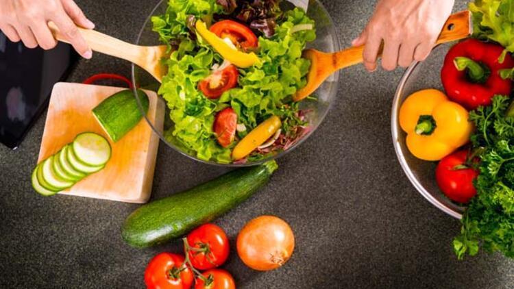 Sağlıklı Salata Nasıl Olmalı?