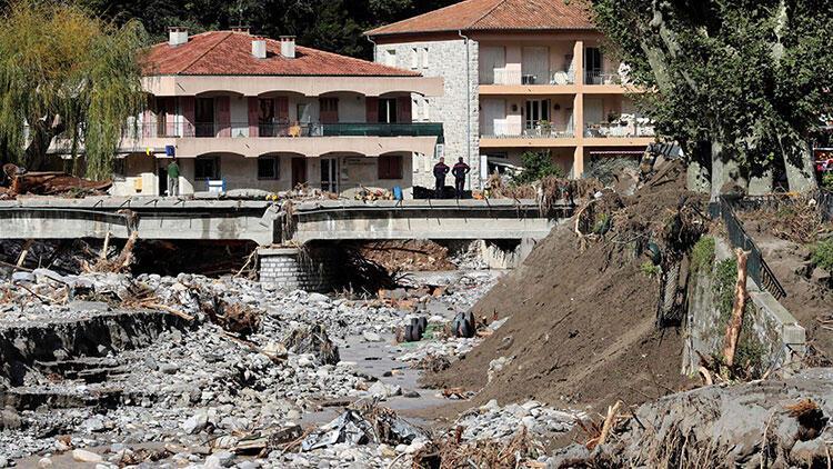 Fransa'da felaket sürüyor! 4 kişi yaşamını yitirdi