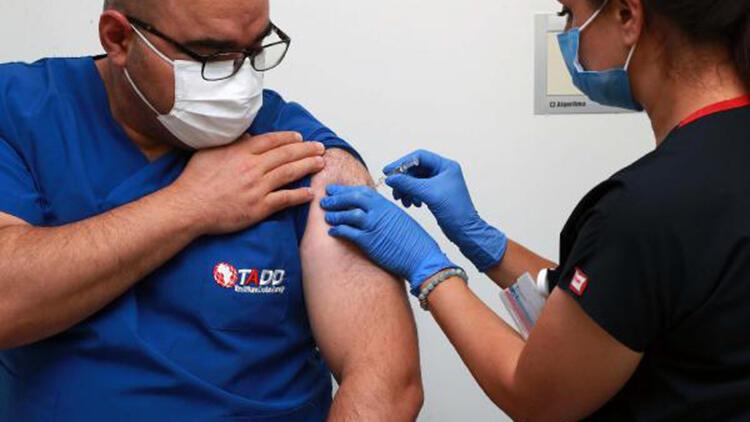 Covid-19 aşısının denemeleri Ankara Şehir Hastanesi'nde de başladı