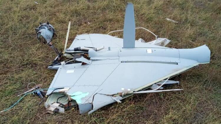 Azerbaycan ordusu Ermeni güçlerine ait 'kamikaze dronu' düşürdü