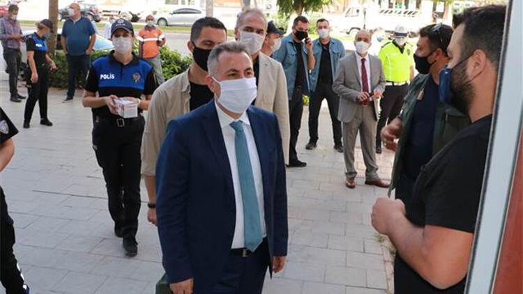 Adana'da iş yerlerine maske ve sosyal mesafe denetimi