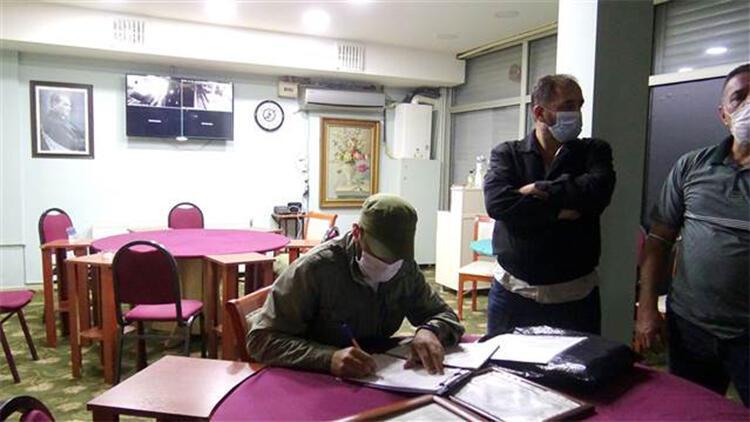 Avcılar'da kahvehanelerde oyun oynayan 24 kişiye 3 bin 180er TL ceza