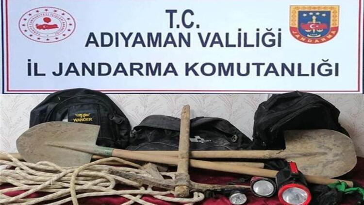 Sit alanında kaçak kazıya 3 gözaltı