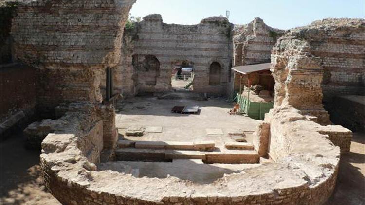 Balatlar Kazısında, Zeugma'dakilere benzer mozaikler bulundu