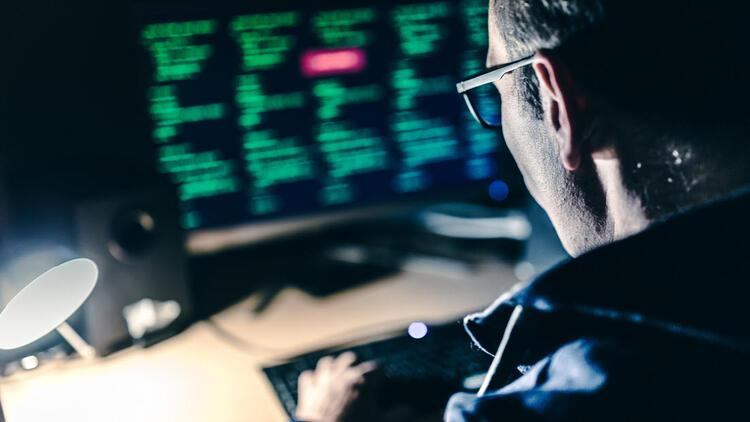 Hacker'lar şimdi de hedefli kimlik avıyla bilgi çalıyorlar