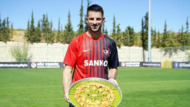 """Gaziantep FK'nın Kevin Mirallas transferi dünya basınında! """"Baklavayla duyuruldu..."""""""