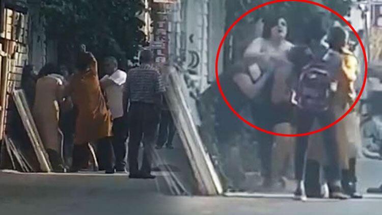 Son dakika haberler... Antalya'da sokak ortasında saç saça baş başa kavga!