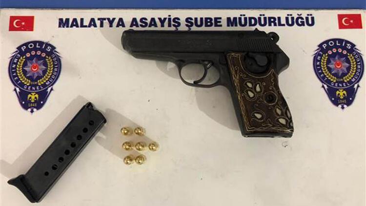 Malatya'da ruhsatsız silah taşıyan 5 kişi gözaltında