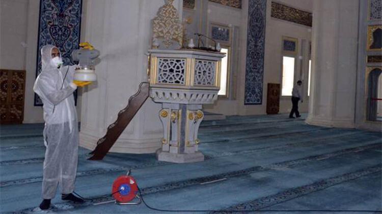 Kırıkkale'de camiler dezenfekte ediliyor