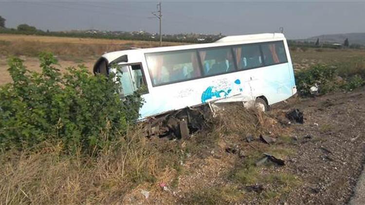 Osmaniye'de midibüs ile otomobil çarpıştı: 6 yaralı