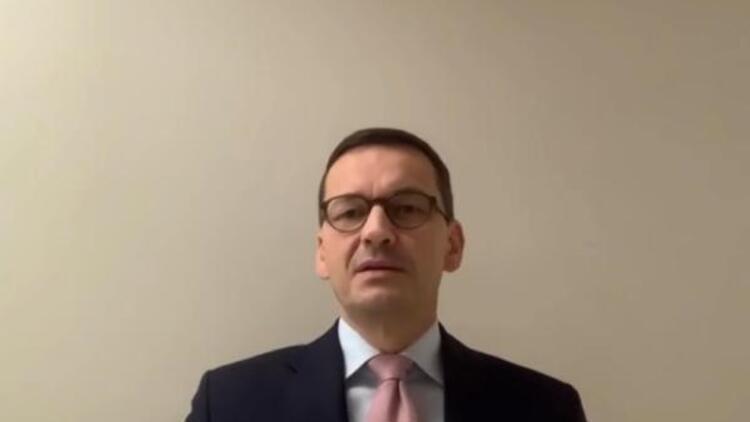 Polonya Başbakanı temaslı olduğu için karantinaya girdiğini duyurdu