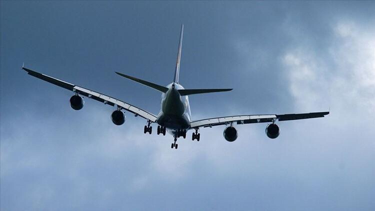 Singapur Hava Yolları'nın park halindeki uçakta yemek için biletleri yoğun ilgi gördü
