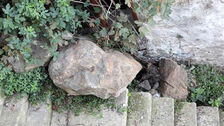 Trabzon'da kaya tehlikesi; 10 ev boşaltıldı