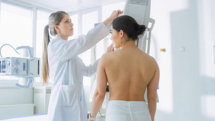 Meme Kanserinde Ne Zaman Cerrahi İşlem Gerekiyor?