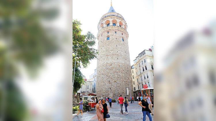 Galata Kulesi'ne 1 haftada 15 bin ziyaretçi