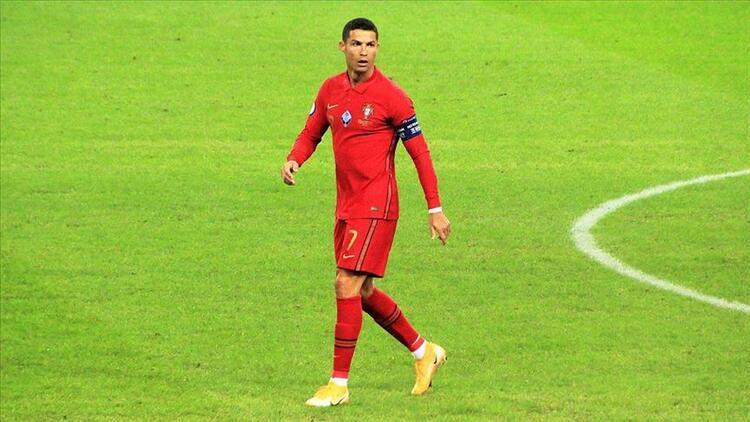 Cristiano Ronaldo koronavirüse mi yakalandı? Ambulans uçakla Torino'ya gitti