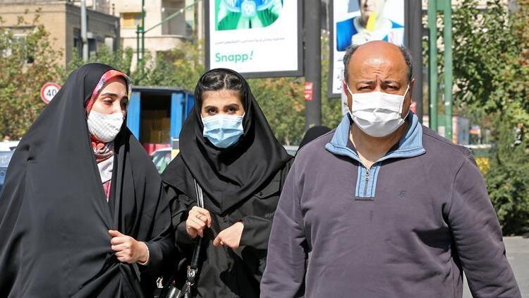 İran'da son 24 saatte 256 kişi Kovid-19'dan hayatını kaybetti