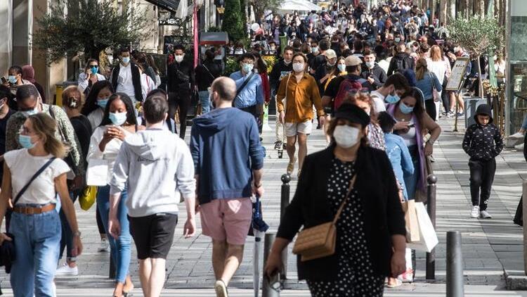 Bilim insanlarından 'Kovid-19'a karşı toplumsal bağışıklık yöntemi çok tehlikeli' uyarısı