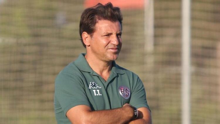 Tamer Tuna, Antalyaspor'da 4 oyuncudan vazgeçmedi! Boffin, Kudryashov, Eren, Veysel...
