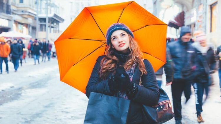 Yağmurlu günlerde stil sahibi olmak için 4 ipucu