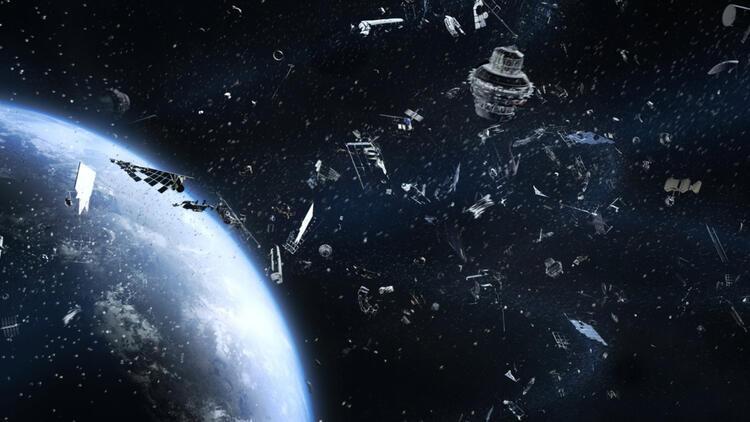 Dünya'nın yörüngesindeki iki uzay çöpü çarpışmaktan son anda kurtuldu