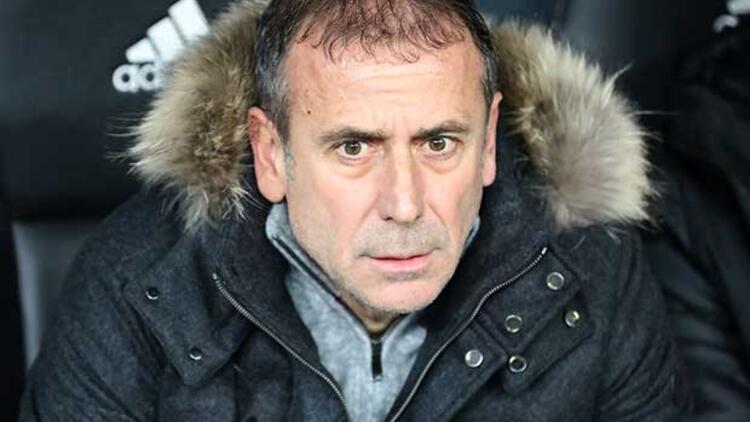 Son Dakika   Trabzonspor'da Eddie Newton yerine Abdullah Avcı sesleri! Fenerbahçe derbisinde...