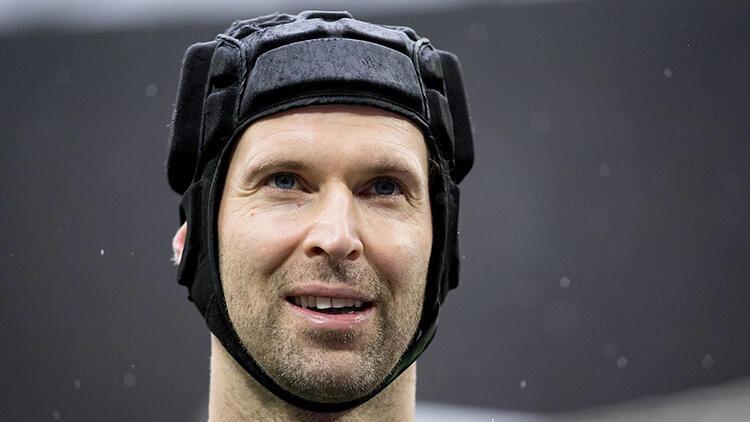 Petr Cech, yeniden Chelsea kadrosunda