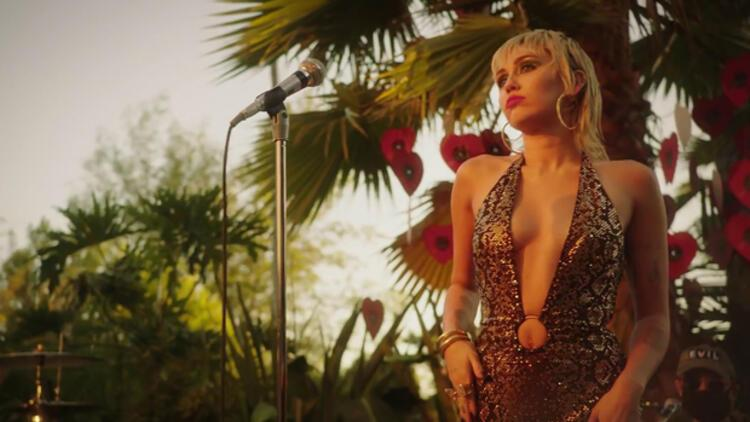 Miley Cyrus: Bizi uzaylılar kovaladı