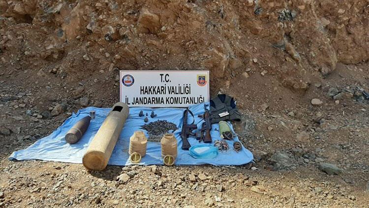 Hakkari'de teröristlere ait patlayıcı ve mühimmat ele geçirildi