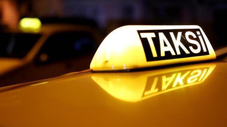 Taksiyi vermeyen babasını bıçaklayarak öldürdü