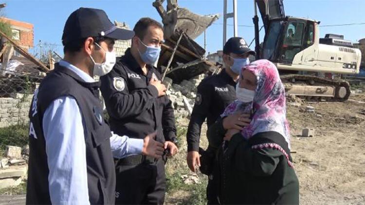 Arnavutköy'de gergin yıkım