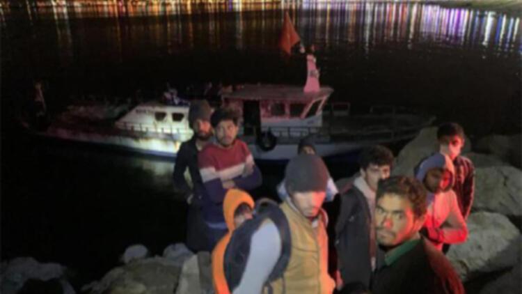Teknede 22 kaçak göçmen yakalandı