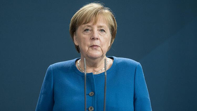 Merkel aday olacak mı?