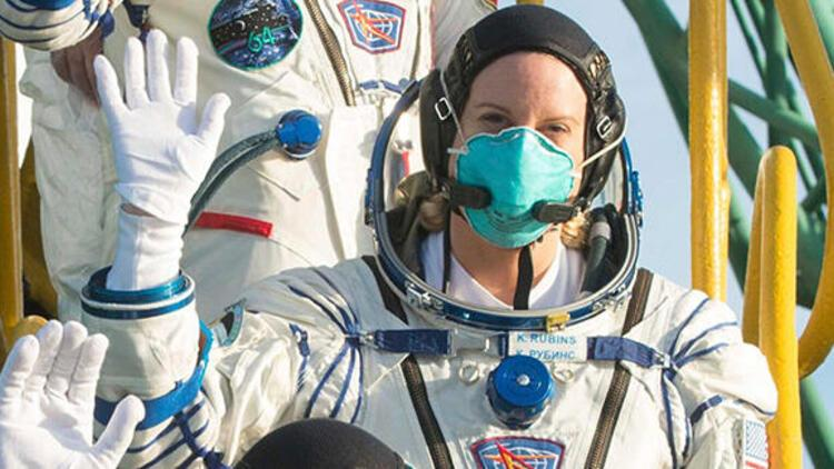 ABDli astronot Kate Rubins, uzayda oy kullandı