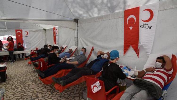 5 litrelik ayçiçeği yağı hediyeli kampanyada, 301 ünite kan bağışlandı
