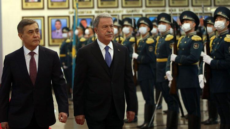 Milli Savunma Bakanı Akar Kazakistan'da…