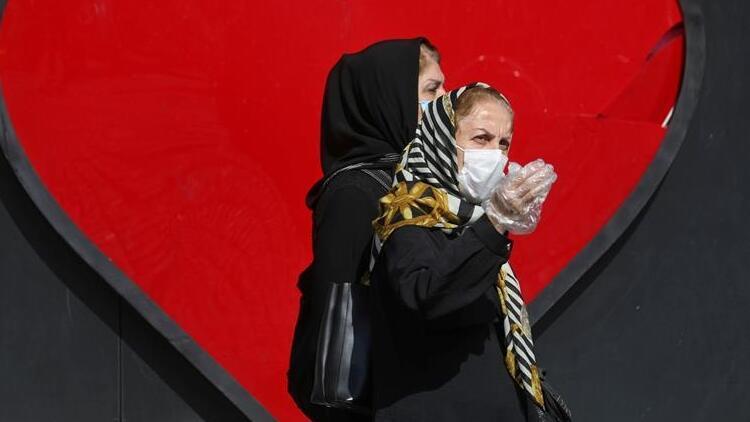 İran'da son 24 saatte 337 kişi Kovid-19'dan hayatını kaybetti