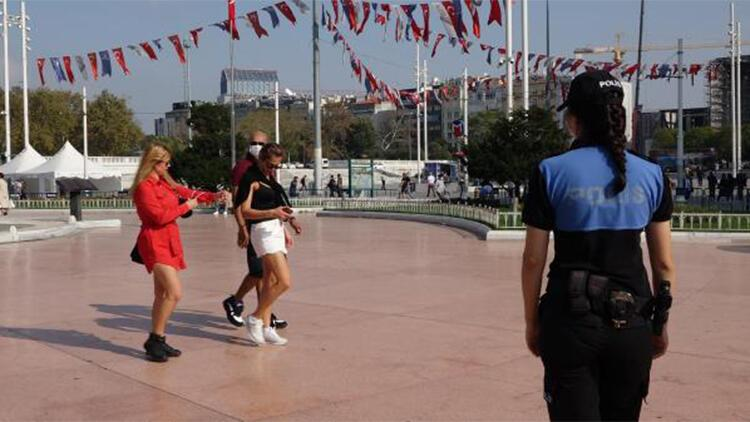 Taksim'de drone destekli maske denetimi