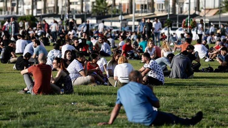 Son dakika... İzmir Valisi 20 günde koronavirüs vakaları 3.5 kat arttı demişti Bugün yeni kararlar alındı