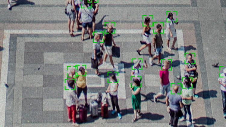 Toplu taşıma alanlarında yüz tanıma teknolojisi devreye giriyor