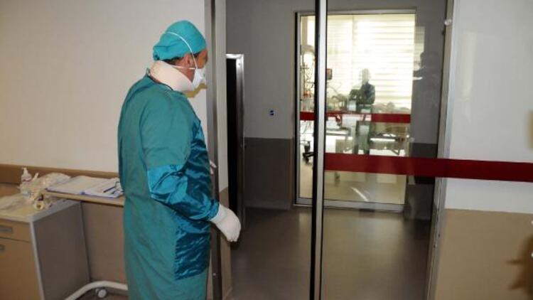 Pandemi ile mücadele eden doktorun büyük acısı... Babası koronavirüsten hayatını kaybetti