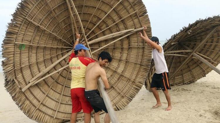 Vietnam'da tayfun 1,3 milyon kişiyi evinden edebilir