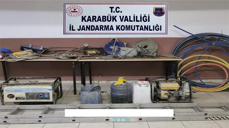 Karabük'te kaçak kazı yapan 4 kişi suçüstü yakalandı