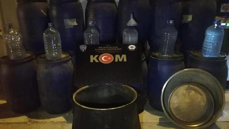 Malatya'da 3 bin 880 litre sahte içki ele geçirildi